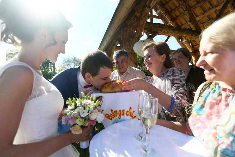 знакомство молодых в русских традициях